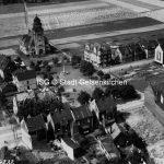 Marktplatz mit Brunnen, ev. Kirche 1927 // FS I 00106 / ISG © Stadt Gelsenkirchen / Foto Hansa Luftbild